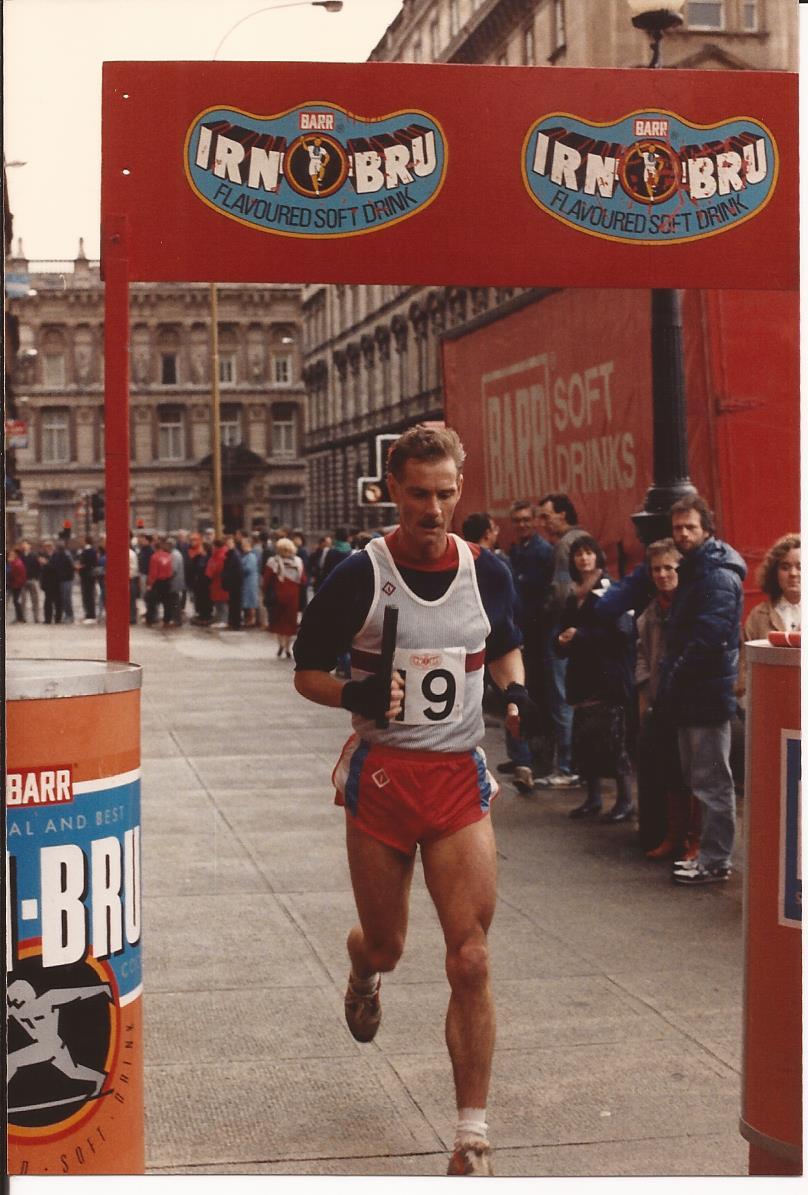 Ian Elliott finishes