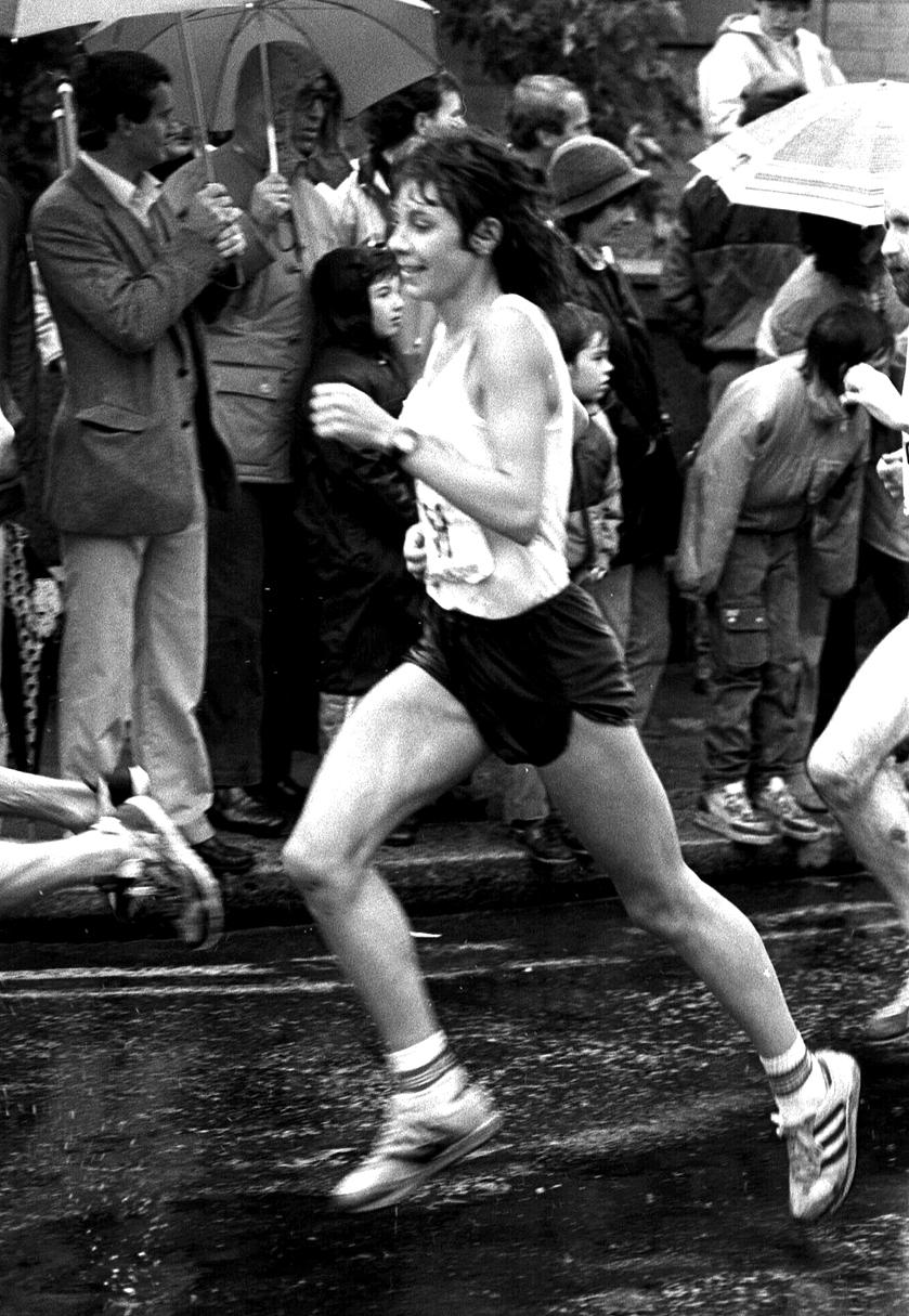 Glasgow Marathon 1985. Angie Payne (1st woman)