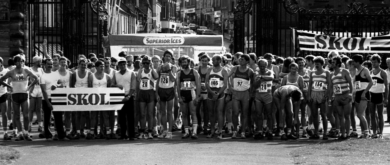 Two Bridges Road Race 1984, Start. Photo - Graham MacIndoe
