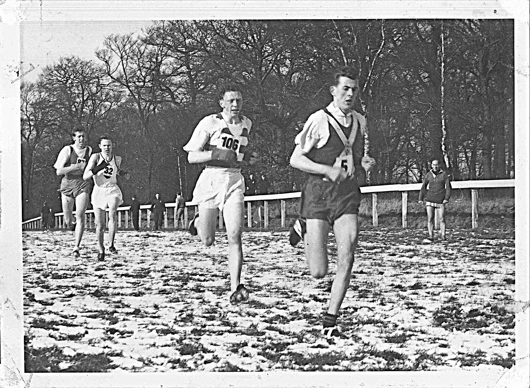 bill-goodwin-scottish-championships-hamilton-1955-half-way