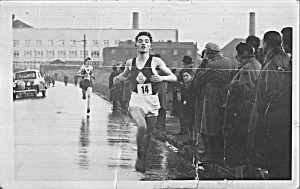 Eddie Sinclair winning the Clydesdale Youth race, 1954