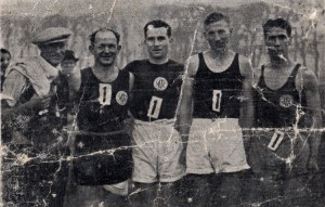 Ardeer R.C., S.W. cross-country relay champions 5.12.1937