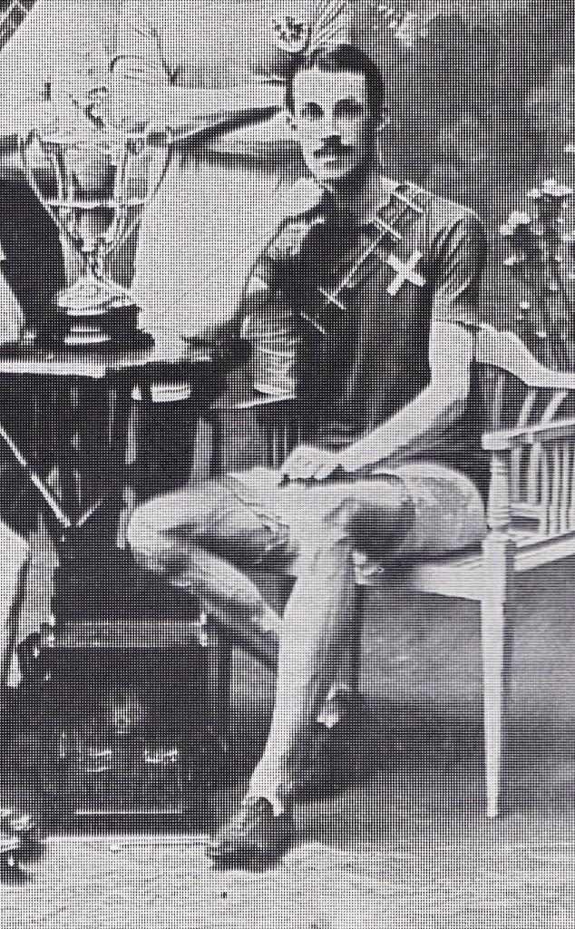 Robert Burton, 1910